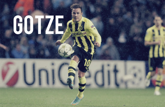 Gotze playing for Dortmund