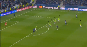 Look at how many Málaga players are surrounding or near the ball.