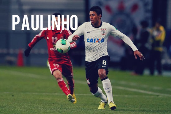 Paulinho in action for Corinthians