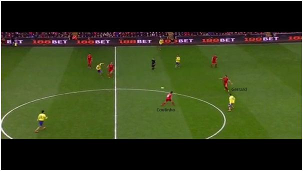 Henderson's pressing induces an erroneous pass by the opposition. Gerrard intercepts and passes to Coutinho
