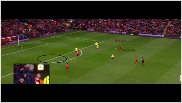 Henderson passes to Suarez with space already opening up on the opposite side