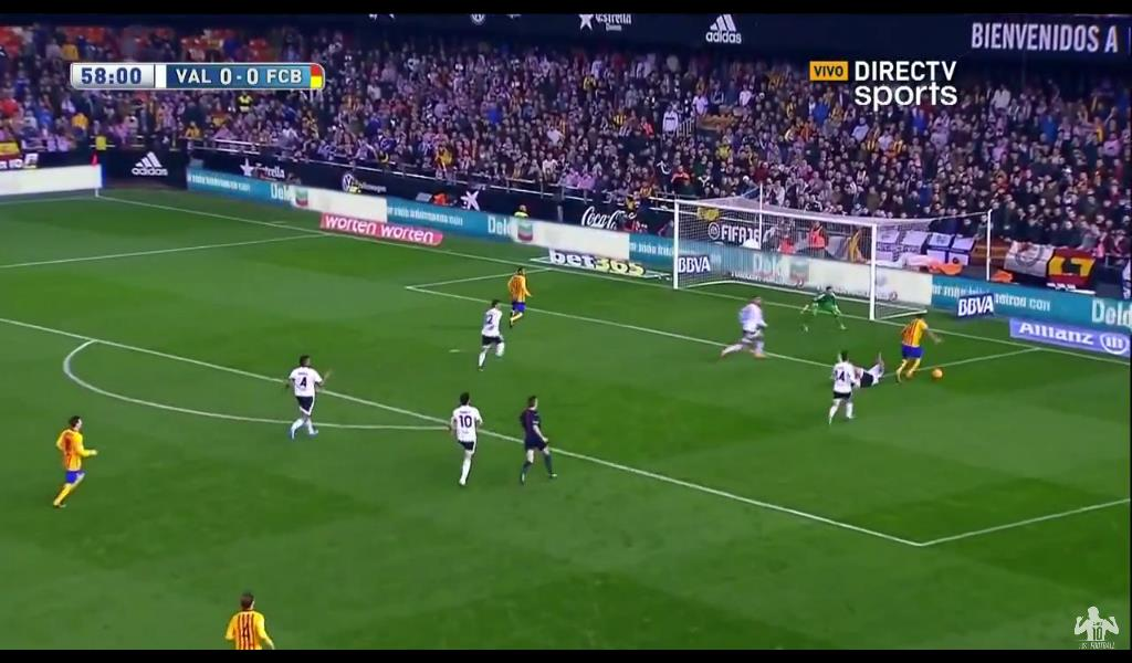Suarez Goal pt. 2 Messi returned the pass and Suarez stayed strong to finish cutely from an angle
