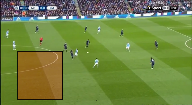Fernandinho presses with no care for how the defence is set up behind him and whether they are able to win the ball back