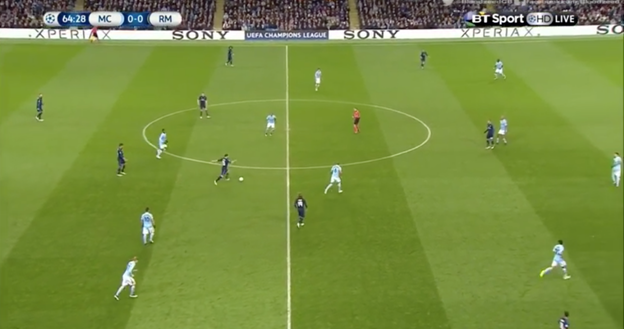 Instead of passing to a free Jese and using Modric's box to box ability to make the run in behind Fernando and combine, RM shift it to Marcelo with an irrelevant horizontal pass. This was not the first, or the last time