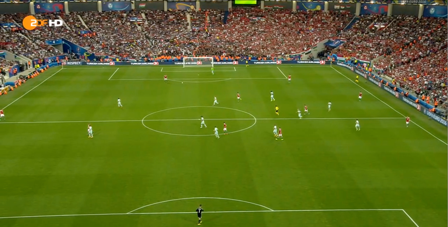 Lang positioned far away from any Hungary player on the left side of the picture (right side of the pitch).