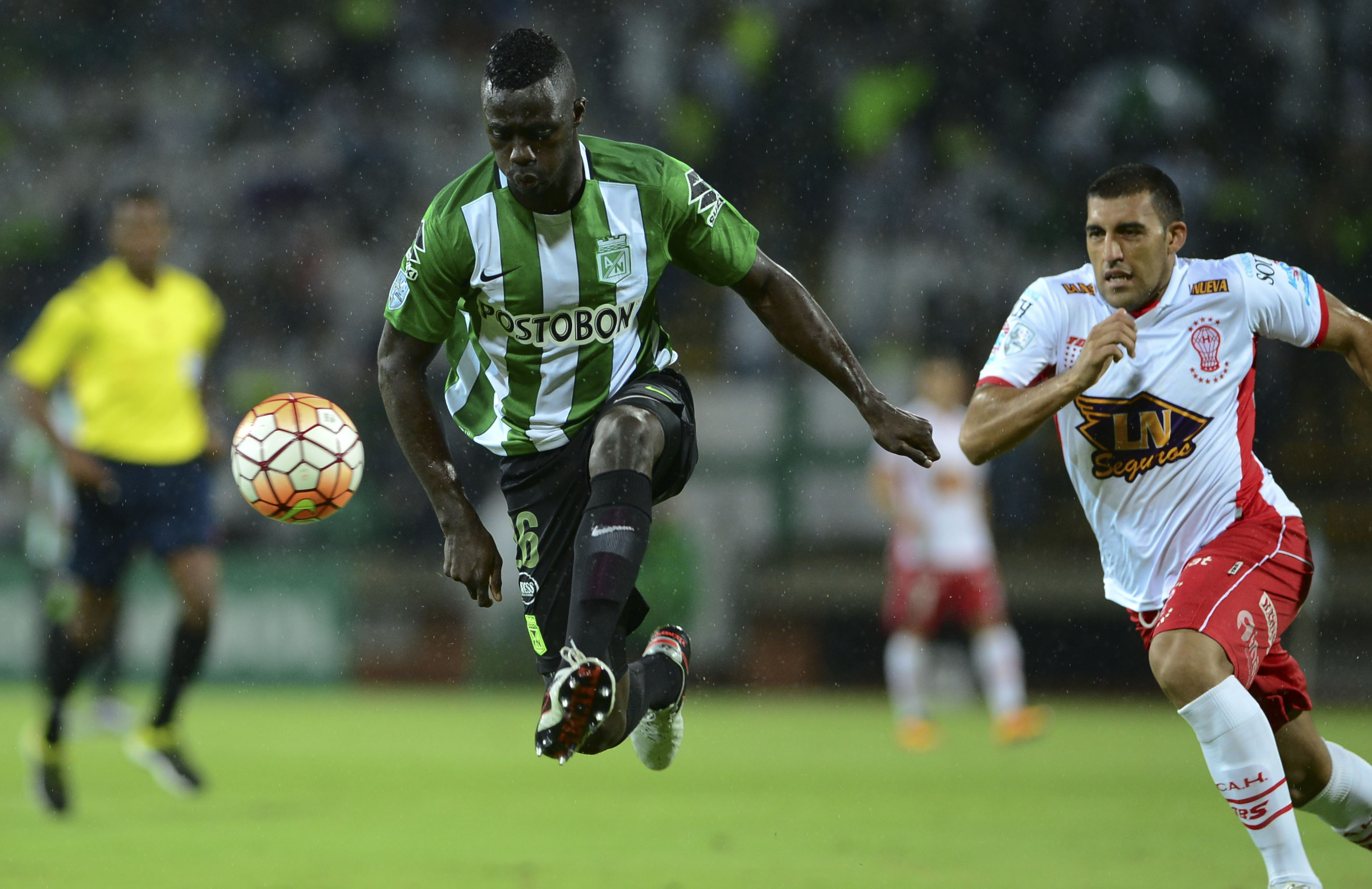 Davinson Sanchez in action for Atletico Nacional at the 2016 Copa Libertadores. / AFP / RAUL ARBOLEDA