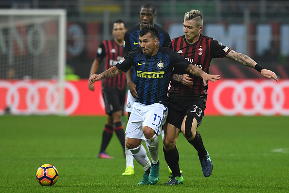 during the Serie A match between AC Milan and FC Internazionale at Stadio Giuseppe Meazza on November 20, 2016 in Milan, Italy.